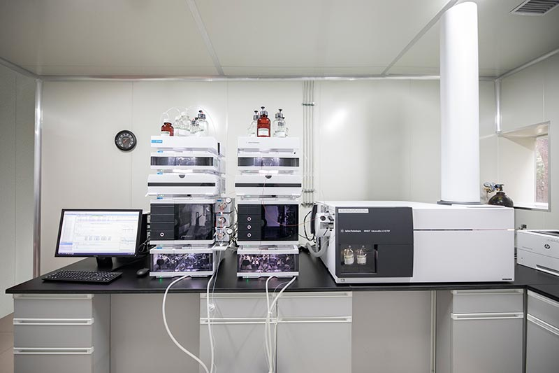 AmbioPharm peptide synthesis lab equipment